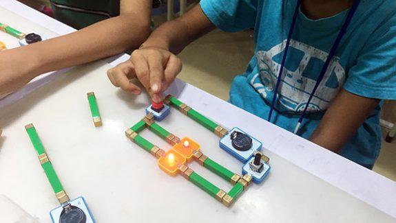 磁力电子积木助力青少年创客课程